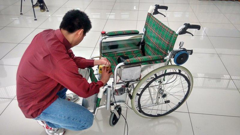 Pemasangan-Bina-Nusantara-Wheelchair
